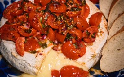 Bakad brie med tomatsalsa